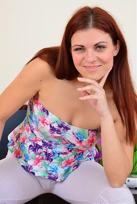 Corazon Del Angel hairy pussy