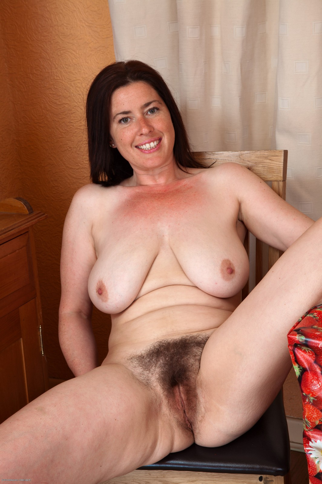 Cougar head 72 on her knees 7