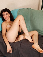 Amateur hairy model Joey Minx