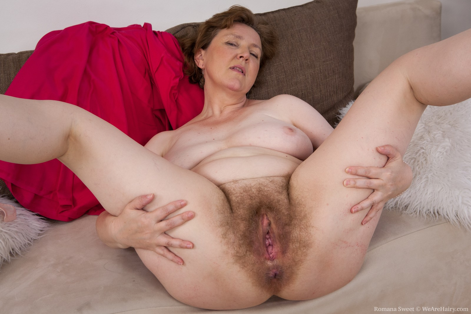 Old womans hairy pussy