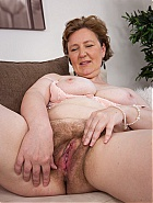 Hairy MILF Romana Sweet