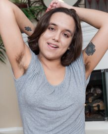 Amateur Hairy model Viola Starr